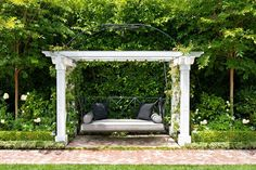 Looking for the furniture ideas for your outdoor pergola gazebos ? here are some pergola bench seat designs and ideas. Large Backyard Landscaping, Backyard Swings, Pergola Swing, Pergola Plans, Diy Pergola, Backyard Patio, Pergola Ideas, Garden Swings, Garden Bed
