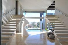 A Home that Makes a Splash: Joc Blue Hills by Nico van der Meulen