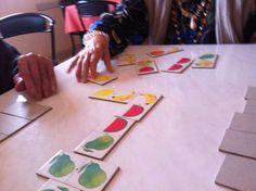 #jugando al #domino para #estimular a los #residentes por la #TerapeutaOcupacional en la #residencia con www.bspasistencia.com