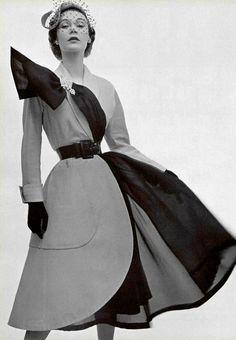 Photographer: Philippe Pottier Jacques Fath, Spring 1951