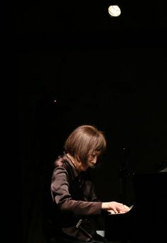 ストーリー:秋吉敏子さんの70年(その2止) 「一期一会」の演奏 - 毎日新聞
