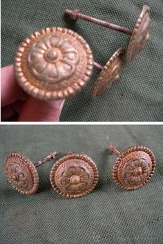 Lote de 3 tiradores antiguos de bronce, 19 €