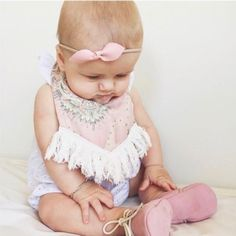 Our beautiful friends over at @bow_baby_au have 20% off storewide starting at 8pm tonight (just like us!) as part of the @stylishkids_popupstore that's happening this weekend but only until Sunday Night! Super cute handmade bows for your babe! We are hooked!