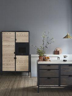 Frama Studio Store located at Fredericiagade 57 in Copenhagen. Beautiful Kitchens, Cool Kitchens, Warehouse Home, Industrial Style Kitchen, Kitchen Modern, Seat Available, Studio Kitchen, Kitchen Dinning, Metal Furniture