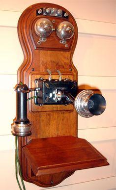 stromberg calrson mckinley figure 8 wood wall antique phone
