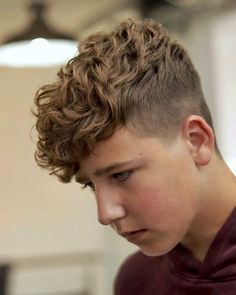 Check out these popular and trendy hairstyles for young men. We& got the hottest crop fades, best teen boy haircutsand hairstyles for young black men. Boys Haircuts Curly Hair, Teenage Boy Hairstyles, Young Mens Hairstyles, Boys Fade Haircut, Teen Boy Haircuts, Wavy Hair Men, Boys With Curly Hair, Curly Hair Cuts, Curly Hair Styles