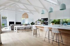 Celebrity Kitchens with Caesarstone: Part Two Style At Home, Celebrity Kitchens, Sweet Home, Melbourne House, Inside Home, Cuisines Design, Open Plan Kitchen, Open Plan Living, Kitchen Living
