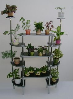 60 beautiful hanging plants ideas for home decor 70 ~ Design And Decoration Garden Rack, Herb Garden, Indoor Garden, Indoor Plants, House Plants Decor, Plant Decor, Home Design Decor, House Design, Home Decor