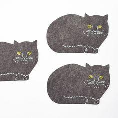 tomotekeのネコがコースターになって登場!。tomotake トモタケ コースター ネコ 5枚セット【 紙 アニマル 動物 ねこ イラスト シンプル おしゃれ かわいい ギフト プレゼント 贈り物 】 Punch Needle, Softies, Coasters, Kids Rugs, Embroidery, Sewing, Cats, Illustration, Animals