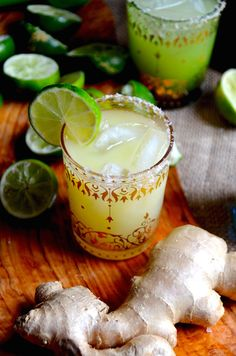 Fresh Ginger Margaritas made with fresh ginger juice puree, reposado tequila, tons of lime juice and ginger liqueur (or classic Cointreau if you prefer). Spicy and refreshing. Perfect if you prefer super sour and strong margaritas.