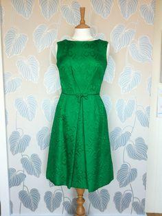 1f89f4fb1d5 1960s Lord   Taylor Emerald Green Dress