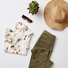 Brunch outfit on point. Garage Clothing, Cool Outfits, Casual Outfits, Brunch Outfit, Spring Summer Fashion, New Look, Detail, My Style, T Shirt