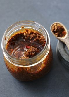 to make curry paste Stock your fridge with homemade curry paste for maximum flavour.Stock your fridge with homemade curry paste for maximum flavour. Homemade Curry, Homemade Spices, Homemade Seasonings, Chutney Recipes, Sauce Recipes, Cooking Recipes, Shrimp Recipes, Chicken Recipes, Indian Food Recipes