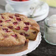 Gâteau fraises et citron - Châtelaine Muffins, Sweet Treats, Cupcakes, Sugar, Breakfast, Food, Voici, Lemon, Cooking Food