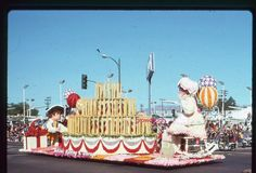 Bekins 35mm Slide Tournament of Roses Float 1976 Moving Storage Pasadena