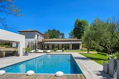 A bijou luxury villa located in the Vence area of the French Riviera.