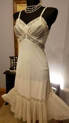 Vintage Ivory Lace Crystal Pleat Full Slip Dress Nightgown 34 Art Deco 1940's #VanRaalte #Slip #LingerieUnderGarmentBridalFullSlipDress