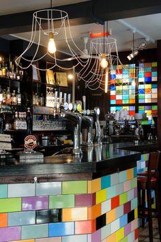 Int de Bar Oddest Bar