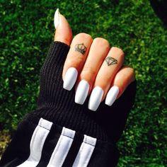 Coffin #White #nails