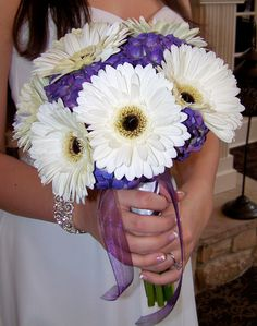Gerber daisy and purple hydrangea made for a stunning bouquet.