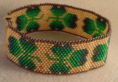 Irish Gold by ArtfulAr on Etsy, Seed Bead Patterns, Peyote Patterns, Bracelet Patterns, Seed Bead Flowers, Beaded Flowers, Bead Loom Bracelets, Beads And Wire, Loom Beading, Bead Crafts