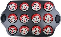 Raggedy Ann Cupcakes - apparently these were a big thing for the miami u chapter of gphib. 4th Birthday Parties, It's Your Birthday, Bear Costume, Ann Doll, Raggedy Ann And Andy, Cute Food, Barbie Dolls, Happy Halloween, Diy Gifts