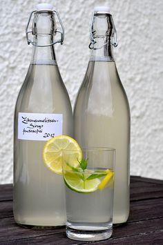 Zitronenmelissen-Sirup mit Traubenzucker fructosefrei