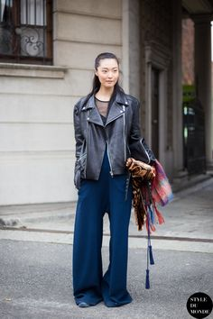 #SungHeeKim looking well cool #offduty in Milan.