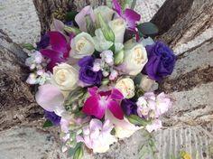 Tropical bridal bouquet #turquoise #stthomaswedding #stthomasweddingplanner #beachweddingsetup #beachweddings #flawlessweddingsandeventvi #cruiseshipweddings