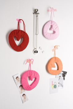 Do you have your valentines gift ready? If not or if you just want to fill your home with some love, then you can make these DIY Valentines love chains Valentine Crafts For Kids, Be My Valentine, Diy Crafts For Kids, Holiday Crafts, Valentine Gifts, Fun Crafts, Diy And Crafts Sewing, Love Is In The Air, Heart Crafts