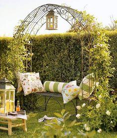 Caramanchão para desfrutar uma tarde agradável de verão.  Fotografia: www.onekinddesign.com