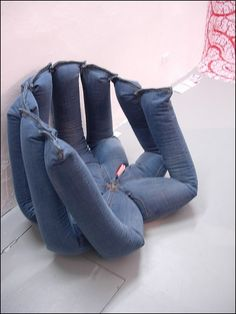 don't throw away your old jeans... Kinda funny looking...