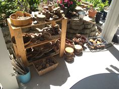 Loose parts exploration Natural Play Spaces, Outdoor Play Spaces, Outdoor Fun, Outdoor Education, Outdoor Learning, Learning Centers, Early Learning, Outdoor Nursery, Reception Class