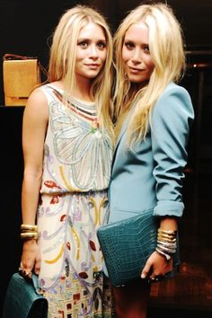 Major News About Your Favorite Netflix Shows, Including a Possible Olsen Twins Cameo on Fuller House Olsen Fashion, Star Fashion, Girl Fashion, Ashley Mary Kate Olsen, Ashley Olsen, Olsen Twins Style, Stylish Outfits, Glamour, Ideias Fashion