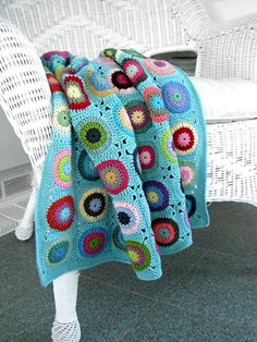 "touchecrochet: "" allcrochetpatterns: "" free pattern for this gorgeous pokey dots throw blanket crochet patterns "" pretty colours! Crochet Afghans, Crochet Squares, Crochet Granny, Crochet Patterns, Granny Squares, Blanket Crochet, Baby Afghans, Crochet Home, Knit Or Crochet"