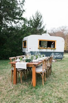 Our vintage camper bar is the perfect statement piece for your event's beverage experience!  #wedding#love#weddingphotography#bridesmaiddress#weddinginvitations#weddingdress#weddinggown#weddinginspo#bride#weddedbliss#weddingstyle#weddingfun#weddingceremony#marryingmybestfriend#weddingday #weddingchicks Bar On Wheels, Caravan Bar, Coffee Trailer, Coffee Truck, Food Trailer, Mobile Bar, Remodeled Campers, Vintage Trailers, Vintage Campers