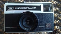 KODAK INSTAMATIC 77x camera excellent di RalphaRecycled su Etsy Instamatic Camera, Thing 1, Lomography, Film Camera, Leather, Etsy, Fotografia, Movie Camera
