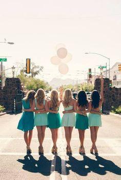 University of Arizona gamma phi beta cutest sorority photoshoot photo shoot ideas Picture Poses, Photo Poses, Photo Shoot, Sorority Pictures, Friendship Photography, Group Pictures, Foto Instagram, Graduation Pictures, Friend Pictures