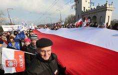 80000 personnes manifestent en Pologne contre le gouvernement