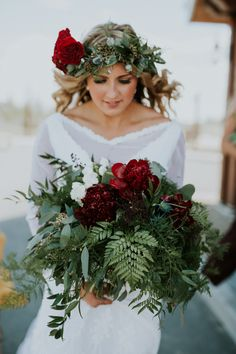 Green and deep red bridal bouquet & floral crown | Image by Nicole Marie Photography