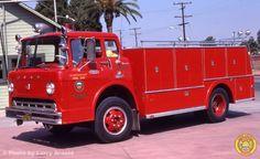 us Yorba Linda FD-Orange Co,CA Ford C700 + Firecoach Rescue10 1968