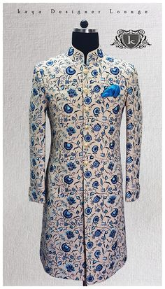 I like this collar and cut Indian Wedding Wear, Wedding Dress Men, Wedding Suits, Sherwani Groom, Wedding Sherwani, Indian Men Fashion, Mens Fashion Suits, Indian Groom Dress, Kurta Men