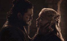 Jon snow and daenerys targaryen Game Of Thrones Facts, Game Of Thrones Quotes, Game Of Thrones Funny, Dany And Jon, Jon Schnee, Ramsey Bolton, Kit And Emilia, Jon Snow And Daenerys, John Snow