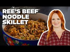 Ree's Drummond Makes a Beef Noodle Skillet | Food Network - YouTube