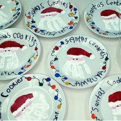 Christmas Crafts for parents DIY Christmas Plates for Kids to Make - Party Wowzy Christmas Art Projects, Christmas Crafts For Kids To Make, Preschool Christmas, Kids Christmas, Holiday Crafts, Christmas Paintings, Diy Christmas Keepsakes, Diy Christmas Gifts For Parents, Merry Christmas