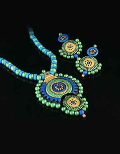 Explore online designer handmade jewellery at Anuradha Art Jewellery. We offer exclusive collection in terracotta jewellery set at an affordable cost. Funky Jewelry, Diy Jewellery, Jewelry Art, Jewelry Design, Terracotta Jewellery Online, Terracotta Jewellery Designs, Handmade Necklaces, Handcrafted Jewelry, Teracotta Jewellery