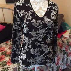 Designer! Karen Kane black top! Elegant! Black top with silver suede like flowers with black sparkle thread embellishments Karen Kane Tops Blouses