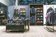 Das neue Storekonzept von bugatti auf der Panorama in Berlin ist ein echter Hingucker. #madebymoysig #Bugatti #Design #Berlin #Messe