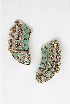 Love the Art Deco feel of these earrings.