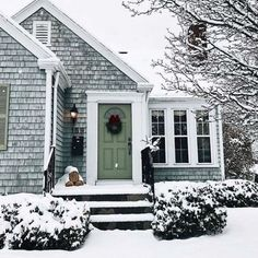 Cozy cottage, cottage living, cottage homes, cottage style, coastal living Cute House, Cozy Cottage, Cottage Living, Cape Cod Cottage, Small Cottage Homes, Cottage Farmhouse, Coastal Living, Cabana, Architecture
